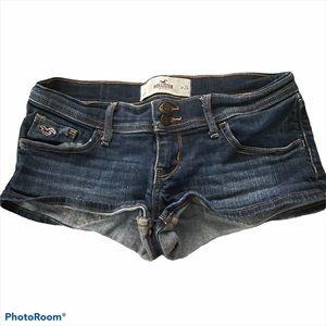 HOLLISTER dark wash shortie shorts
